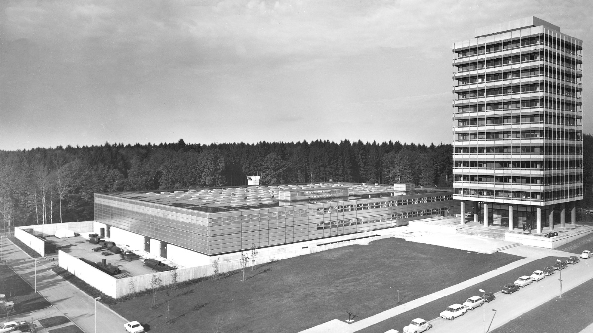 The new MPA building on the campus in Stuttgart-Vaihingen 1969 (c)